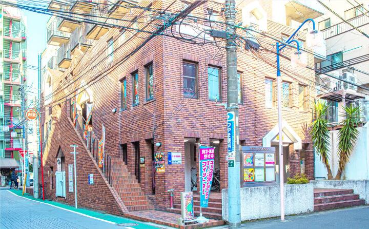 JR本八幡駅から徒歩1分駅チカで通いやすい好立地